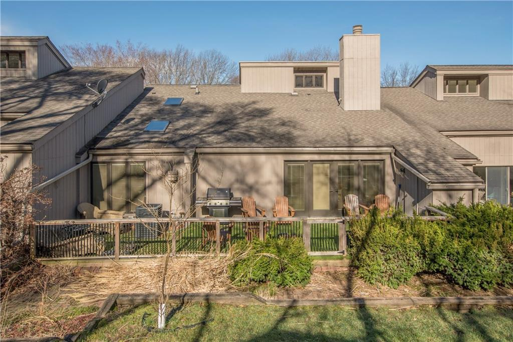 Photo of home for sale at 3018 Fox Run, Des Moines IA