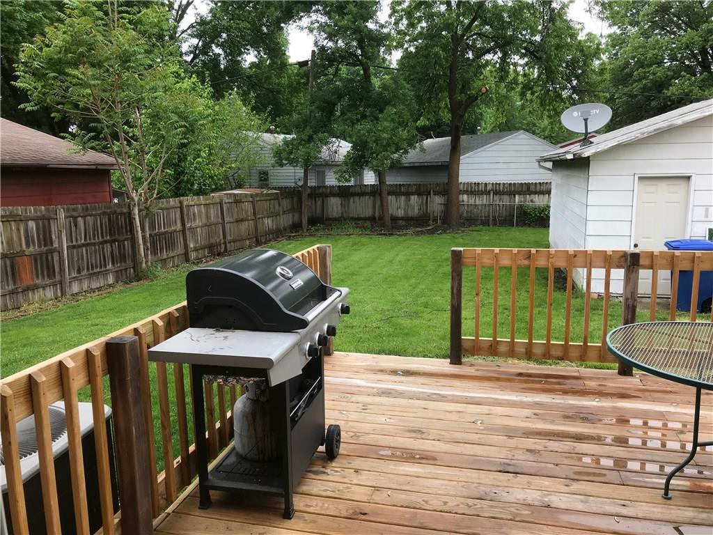Photo of home for sale at 1508 Richmond Avenue, Des Moines IA