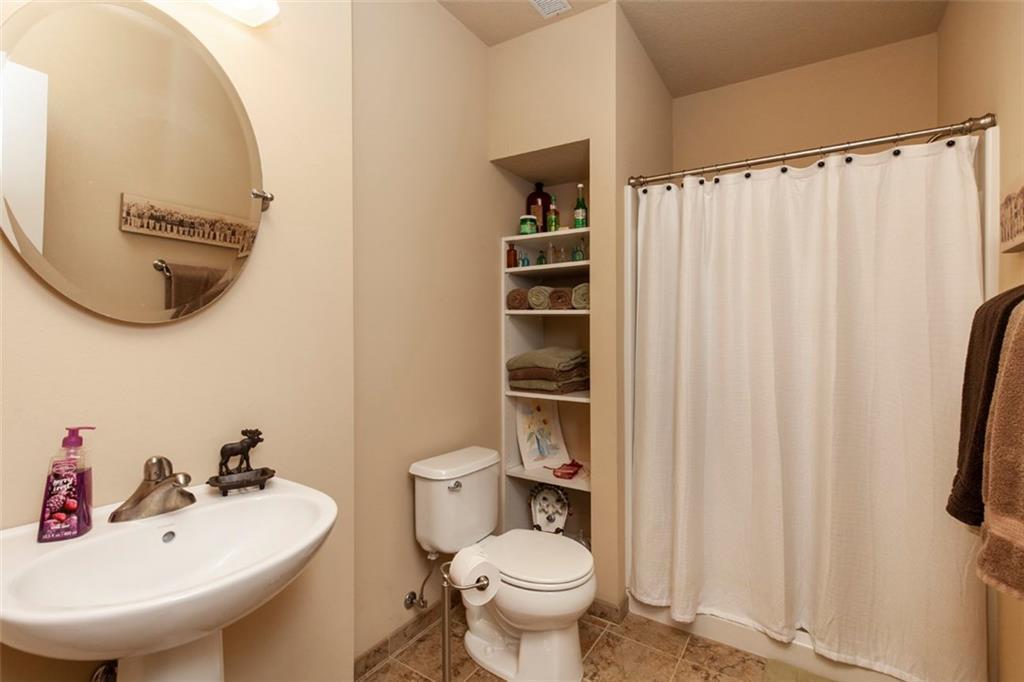 Photo of home for sale at 1621 17th Street SE, Altoona IA