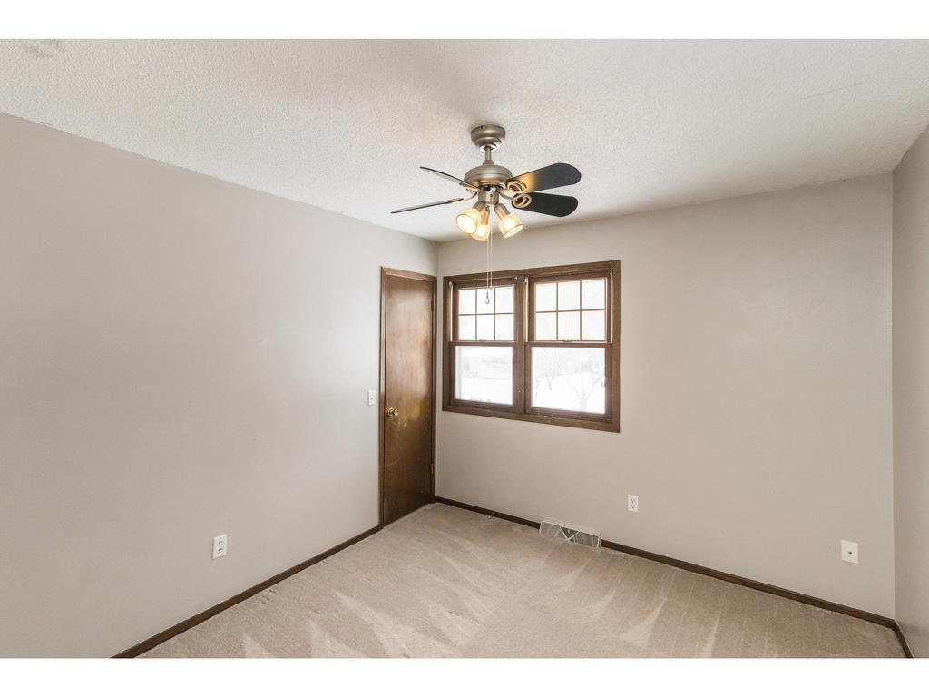 Photo of home for sale at 516 45th Street, West Des Moines IA