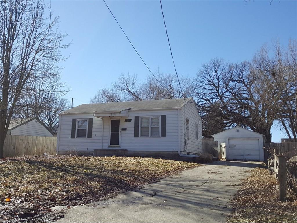 Photo of home for sale at 3912 3rd Street SW, Des Moines IA