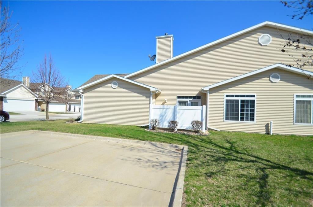 Photo of home for sale at 1210 Birch Lane SE, Ankeny IA