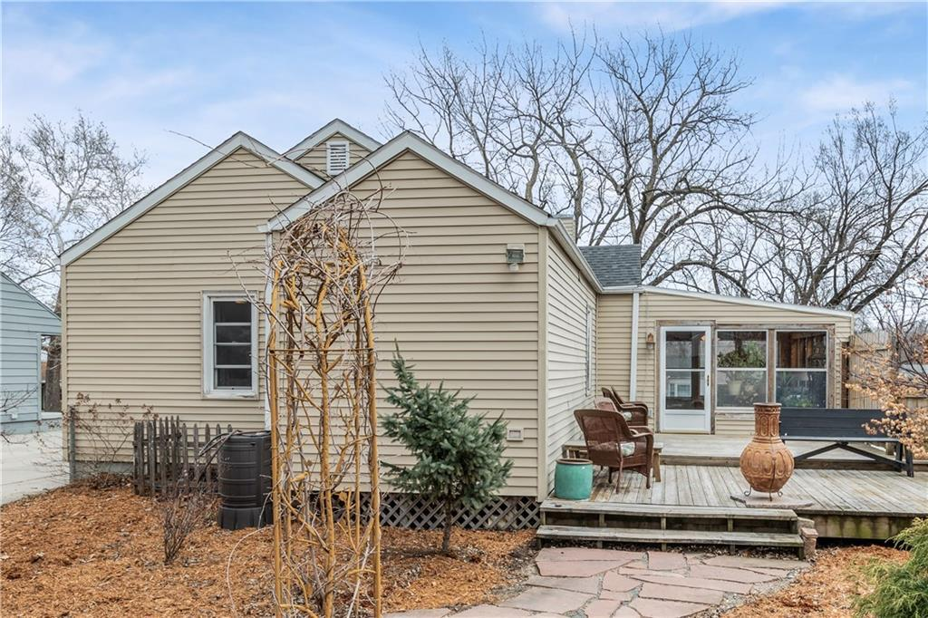 Photo of home for sale at 3930 50th Street, Des Moines IA