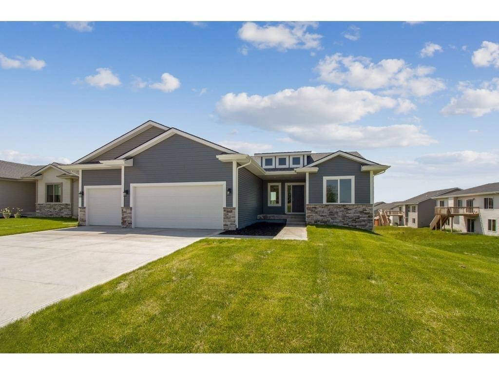 Photo of home for sale at 4618 35th Court SE, Des Moines IA