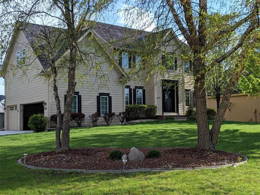 Photo of home for sale at 802 Vail Court NE, Ankeny IA
