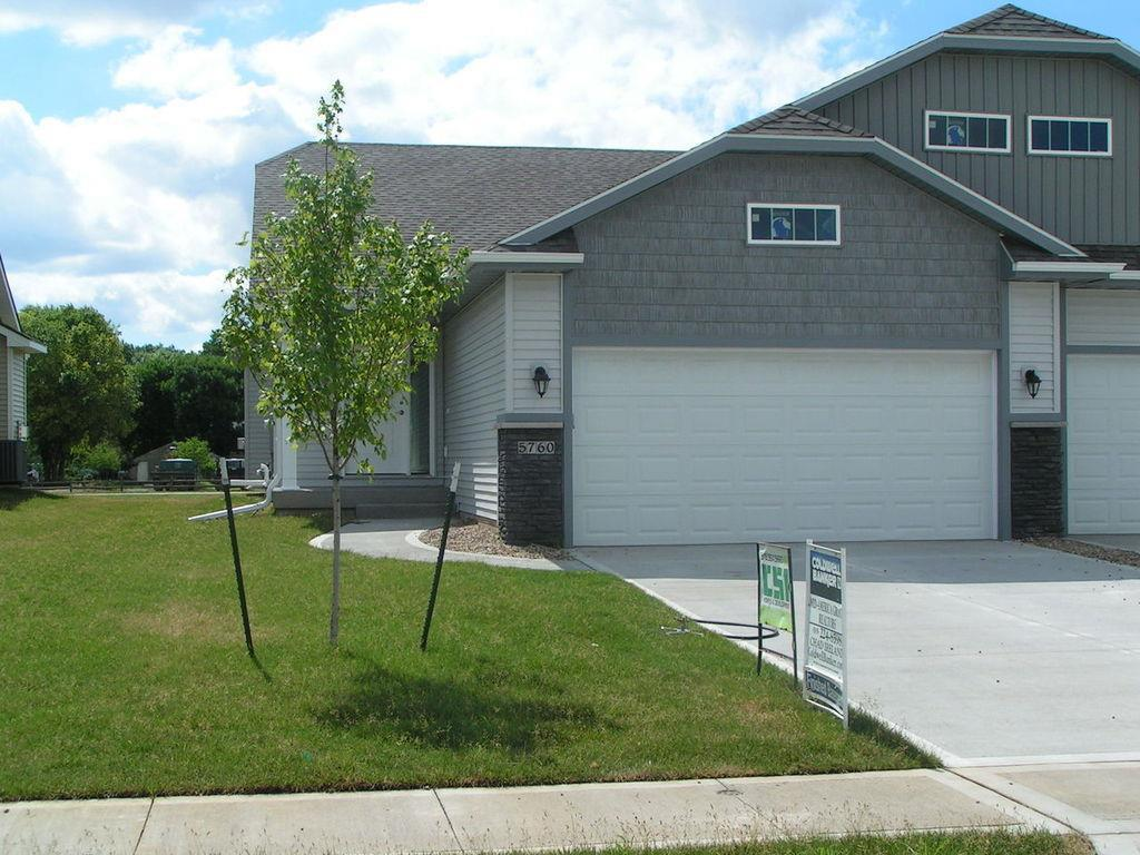 Photo of home for sale at 5760 50th Street NW, Johnston IA