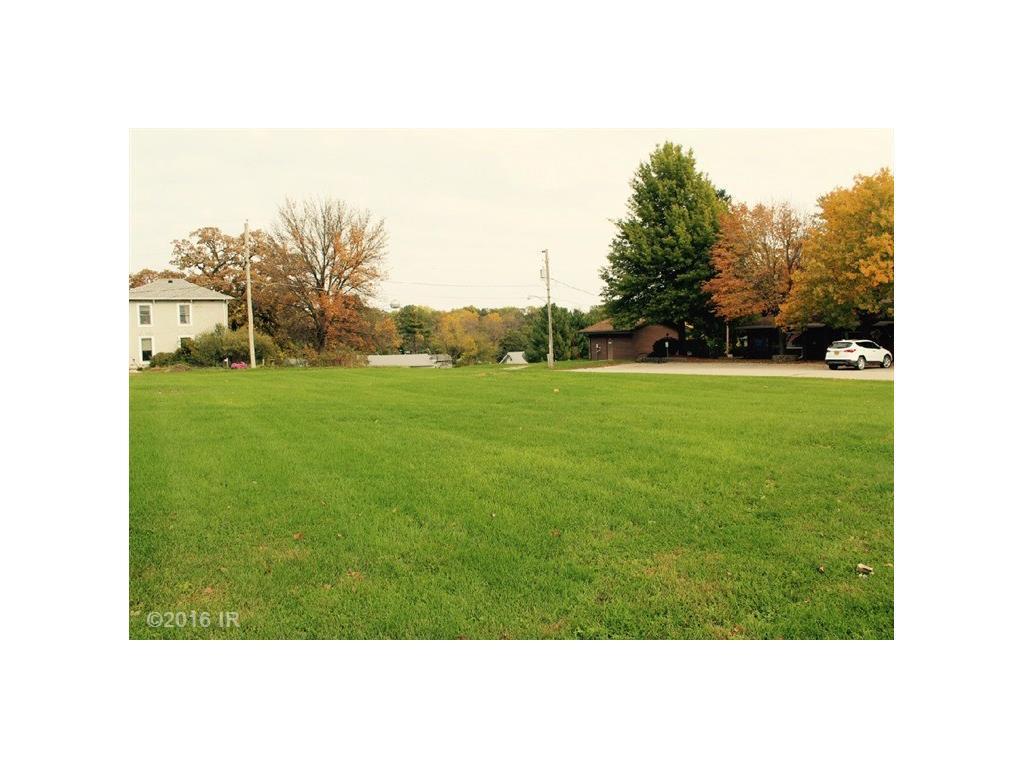 Photo of home for sale at 325 Walnut Street, De Soto IA