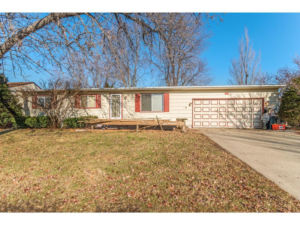 Photo of home for sale at 405 Terry Terrace, Marshalltown IA
