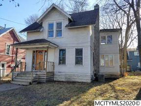 Property for sale at 25 9th NW, Mason City,  Iowa 50401