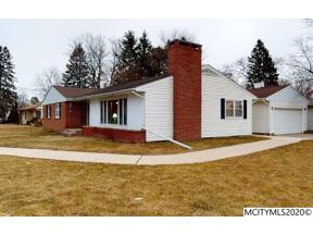 Property for sale at 396 Willowbrook Dr, Mason City,  Iowa 50401