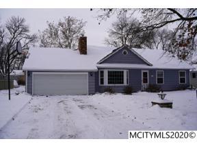 Property for sale at 251 Parkridge Dr, Mason City,  Iowa 50401