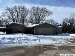Property for sale at 7 S Regency CT, Mason City,  Iowa 50401
