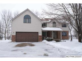 Property for sale at 8 Deer Creek Ct, Mason City,  Iowa 50401
