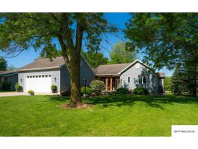 Property for sale at 22 Asbury Pl, Mason City,  Iowa 50401