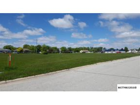 Property for sale at 1405 N 25TH ST, Clear Lake,  Iowa 50428
