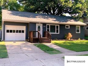 Property for sale at 906 2nd Ave N, Clear Lake,  Iowa 50428