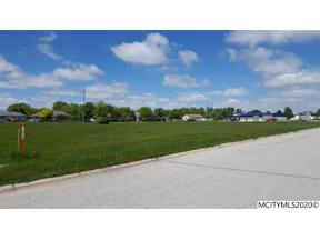 Property for sale at 2405 15th Ave N, Clear Lake,  Iowa 50428