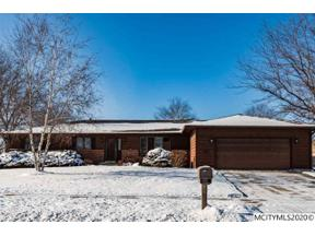 Property for sale at 1 Briarstone Ct, Mason City,  Iowa 50401
