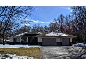 Property for sale at 15 Oak Run Dr, Mason City,  Iowa 50401