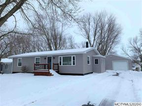 Property for sale at 807 W 10th Ave N, Clear Lake,  Iowa 50428