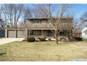 Property for sale at 299 Parkridge Dr, Mason City,  Iowa 50401