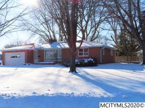 Property for sale at 190 Parkridge Dr, Mason City,  Iowa 50401