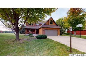 Property for sale at 140 Woodbine Rd, Mason City,  Iowa 50401