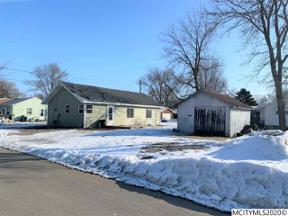 Property for sale at 118 S 21st St, Clear Lake,  Iowa 50428