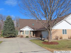Property for sale at 2022 Hunters Ridge Dr, Mason City,  Iowa 50401