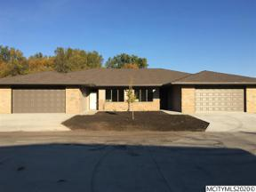 Property for sale at 523 River Bend Ct, Mason City,  Iowa 50401