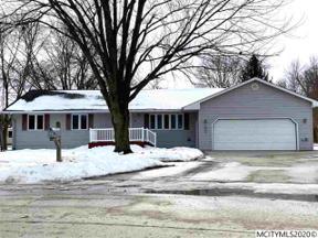 Property for sale at 8 Williamsburg Circle, Mason City,  Iowa 50401