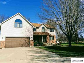 Property for sale at 8 Deer Creek Ct, Mason City,  IA 50401