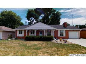 Property for sale at 337 Meadow Ln, Mason City,  Iowa 50401