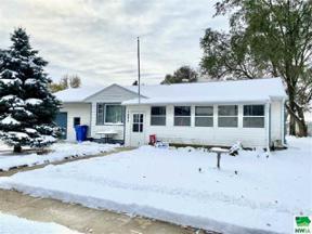 Property for sale at 1002 Westend Dr, Vermillion,  South Dakota 57069