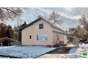 Property for sale at 104 E Washington St, Elk Point,  South Dakota 57025