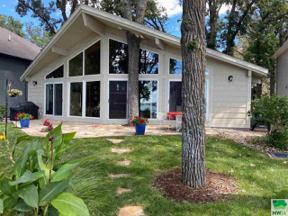 Property for sale at 15801 Lakeshore Dr, Spirit Lake,  Iowa 51360