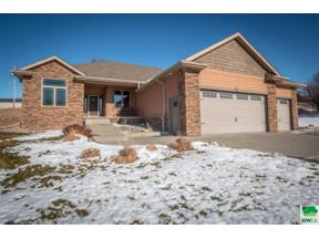 Property for sale at 715 Deerfield Drive, Sioux City,  Iowa 51108