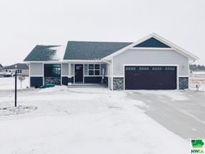 Property for sale at 1302 Providence Pl Se, Orange City,  Iowa 51041