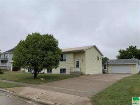 Property for sale at 1210/1212 Lincoln St, Vermillion,  South Dakota 57069
