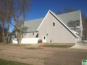 Property for sale at 304 S Douglas, Elk Point,  South Dakota 57025