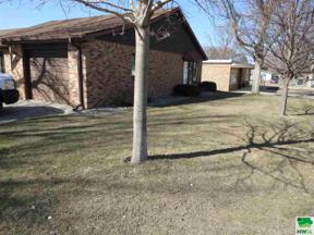 Property for sale at 12 Pioneer Court Nw Unit: 12, Orange City,  Iowa 51041