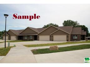 Property for sale at 407 Prairie Bluff Drive, Sergeant Bluff,  Iowa 51054
