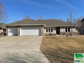Property for sale at 461 Fawn Hollow, Dakota Dunes,  South Dakota 57049