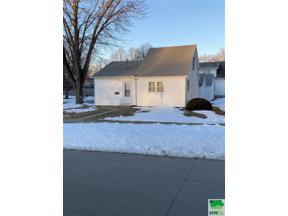 Property for sale at 632 Colorado Ave. Sw, Orange City,  Iowa 51041