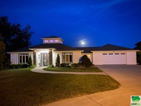 Property for sale at 403 Martin Dr Ne, Orange City,  Iowa 51041