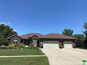 Property for sale at 501 S Crawford, Vermillion,  South Dakota 57069