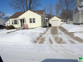Property for sale at 417 4th Street Nw, Orange City,  Iowa 51041