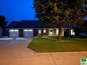 Property for sale at 710 10th St. Se, Orange City,  Iowa 51041