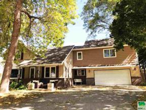 Property for sale at 211 Florida Ave Sw, Orange City,  Iowa 51041