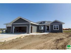 Property for sale at 1513 Juneau Pl Se, Orange City,  Iowa 51041